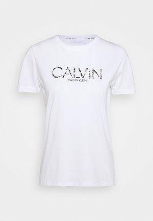 PRINT FILL LOGO TEE - T-Shirt print - bright white