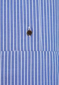 Libertine-Libertine - SOURCE - Košilové šaty - blue - 2