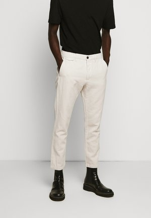 ATELIER CROPPED - Chinos - barely beige