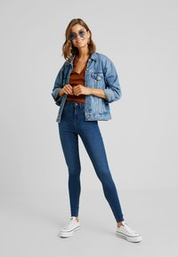 Noisy May - CALLIE - Jeans Skinny Fit - medium blue denim - 1