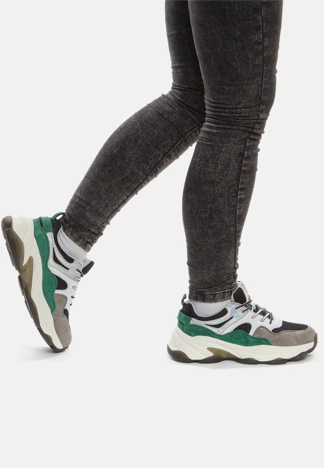 Sneakers laag - black/green