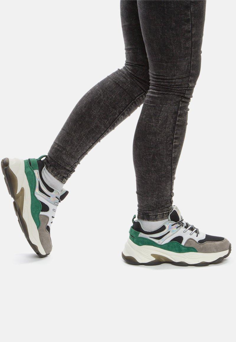Crosby - Sneakers laag - black/green