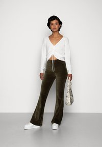 ONLY - ONLFENJA LIFE FLARED PANT - Broek - forest night - 1