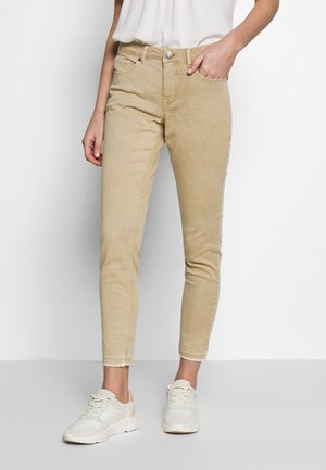 ELMA FRESH - Slim fit jeans - soft ginger
