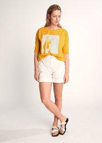 comma - Print T-shirt - apricot - 1