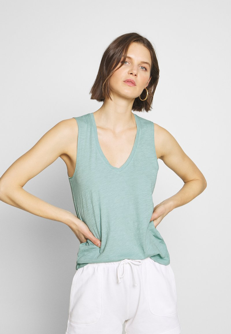 Marc O'Polo - V NECK SOLID - Top - misty spearmint