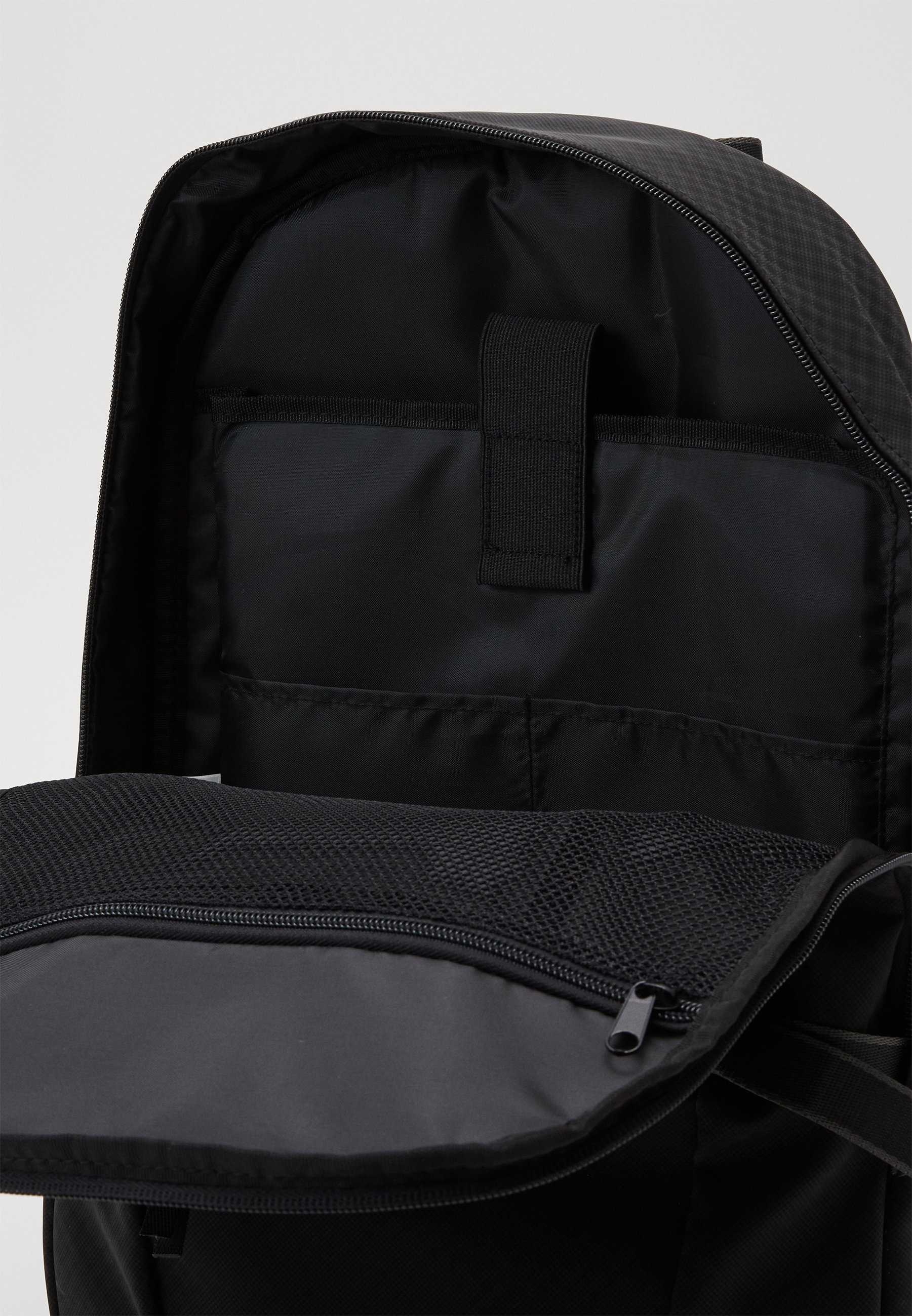 Superdry COMBRAY SLIMLINE BACKPACK - Ryggsekk - black/svart 5JzRGbx8fGxs9eh