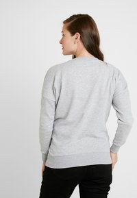 New Look Maternity - XMAS SANTA BABY - Sweatshirt - grey - 2
