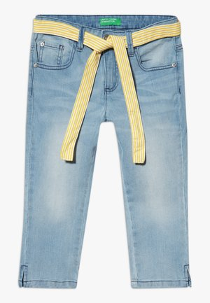 TROUSERS BELT - Shorts di jeans - light blue denim