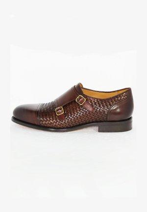 ROBERTO - Elegantní nazouvací boty - brown