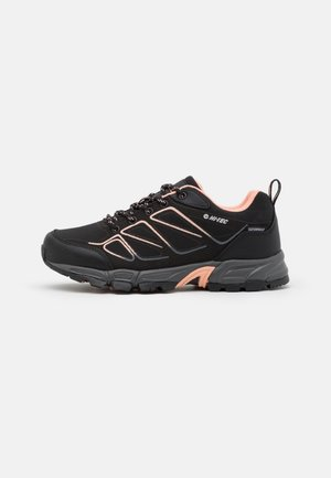 RIPPER LOW WP WOMENS - Hikingsko - black/watermelon red
