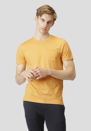 KOLDING - T-shirt basic - pale orange