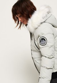 Superdry - EVEREST ELLA - Winter jacket - light grey - 3