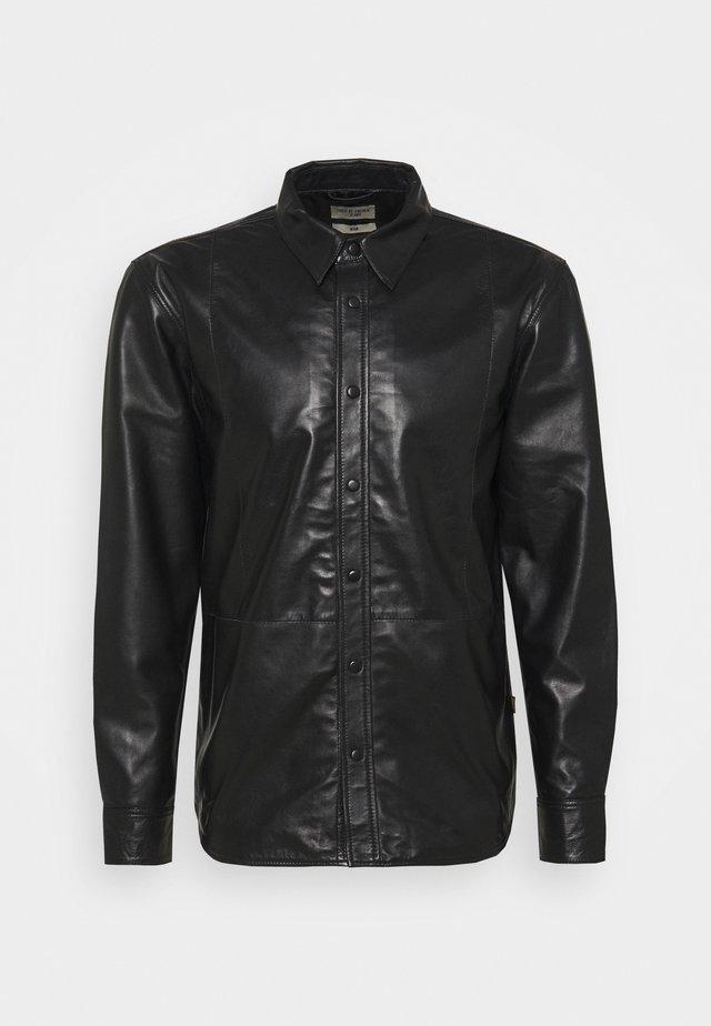FORREST - Košile - black