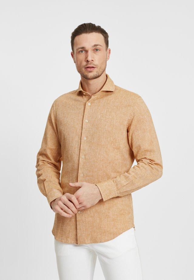 SLIM FIT  - Overhemd - yellow
