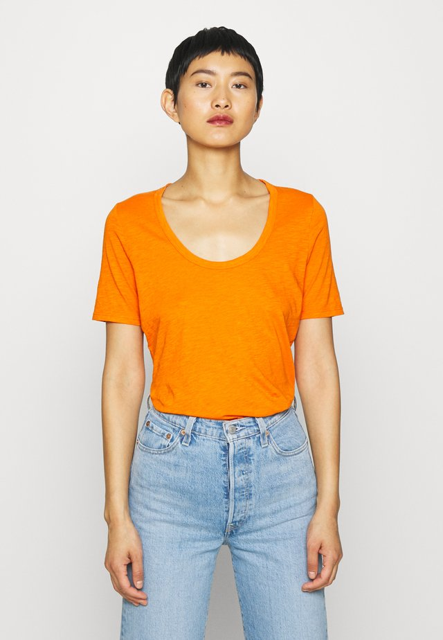 SHORT SLEEVE ROUND NECK SOLID - T-shirts basic - sunbaked orange