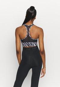 Nike Performance - ICONCLASH BRA - Medium support sports bra - black/purple chalk/white - 2