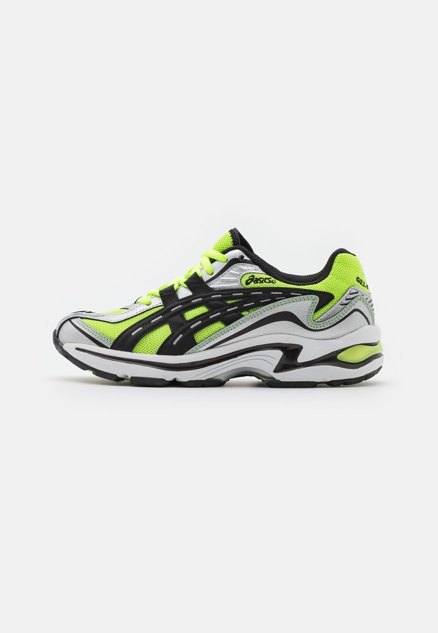 GEL-PRELEUS - Sneakers - hazard green/black
