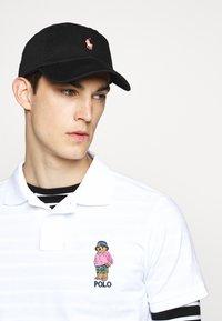Polo Ralph Lauren - Caps -  black/neon - 0