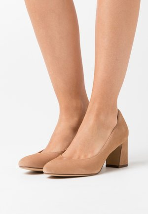 COURT SHOE - Tacones - nude