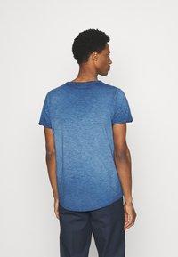 s.Oliver - KURZARM - Basic T-shirt - blue - 2