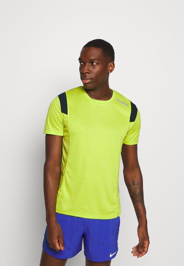 RUN - T-shirt con stampa - mint green