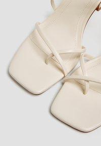 PULL&BEAR - Sandály na vysokém podpatku - beige - 4