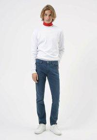 HUGO - 708 - Trousers - dark blue - 0