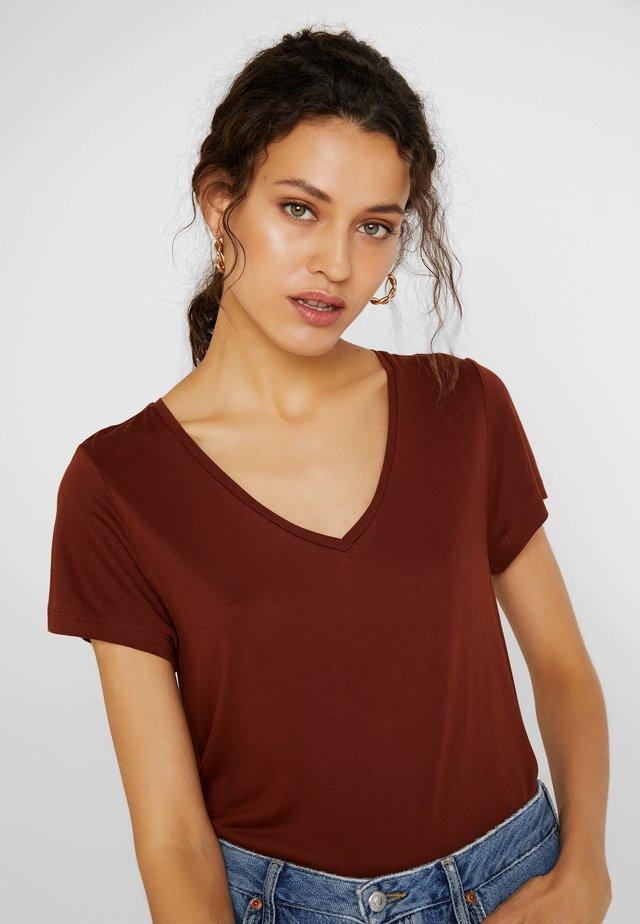 ANNA V NECK - Basic T-shirt - cherry mahogany