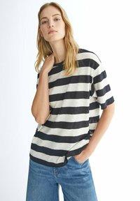 Massimo Dutti - GESTREIFTES SHIRT AUS REINER - Print T-shirt - black - 0