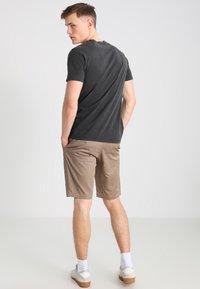 Volcom - FRICKIN MODERN - Shorts - khaki - 2