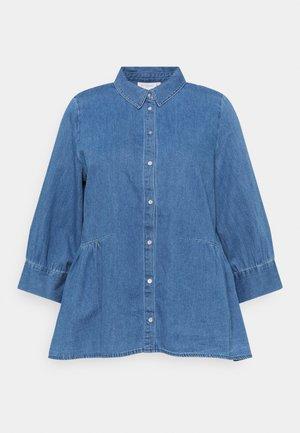 CARNEW CANBERRA AUTH - Button-down blouse - light medium blue denim