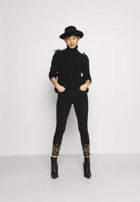 Desigual - Jeansy Skinny Fit - black - 1