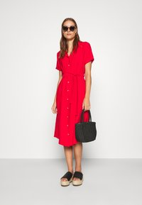 Mavi - SHORT SLEEVE DRESS - Košilové šaty - rio red - 4