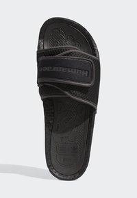 adidas Originals - PHARRELL CHANCLETAS HU - Badsandaler - core black/utility black/core black - 1
