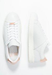 Barbour - HERRERA - Tenisky - white/rose gold - 3