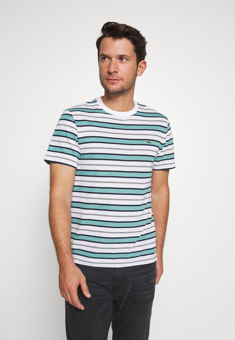 Lacoste - TH5141-00 - T-shirt print - white/navy blue niagara blue