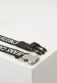 Calvin Klein Jeans - LOGO TAPE CLIP BELT  - Gürtel - black - 3