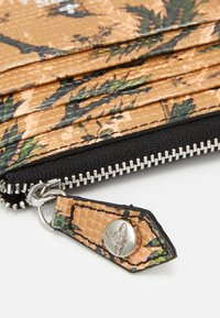Vivienne Westwood - KENT ZIP CREDIT CARD HOLDER - Peněženka - brown - 3