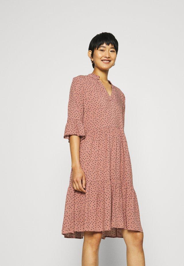 EDA DRESS - Vestito lungo - burlwood clear