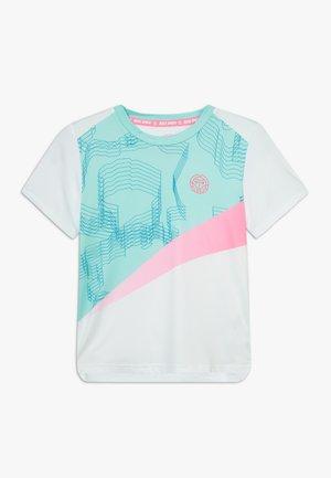 AKOFA TECH TEE - T-shirts med print - white/mint/pink