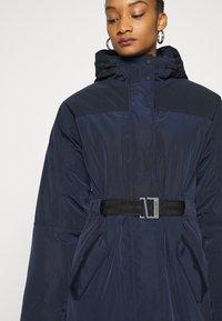 Hunter ORIGINAL - WOMENS ORIGINAL INSULATED - Zimní kabát - navy - 4