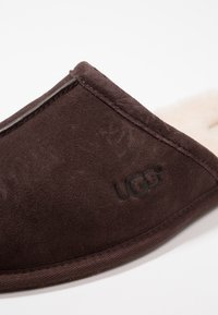 UGG - SCUFF - Slippers - brown - 5
