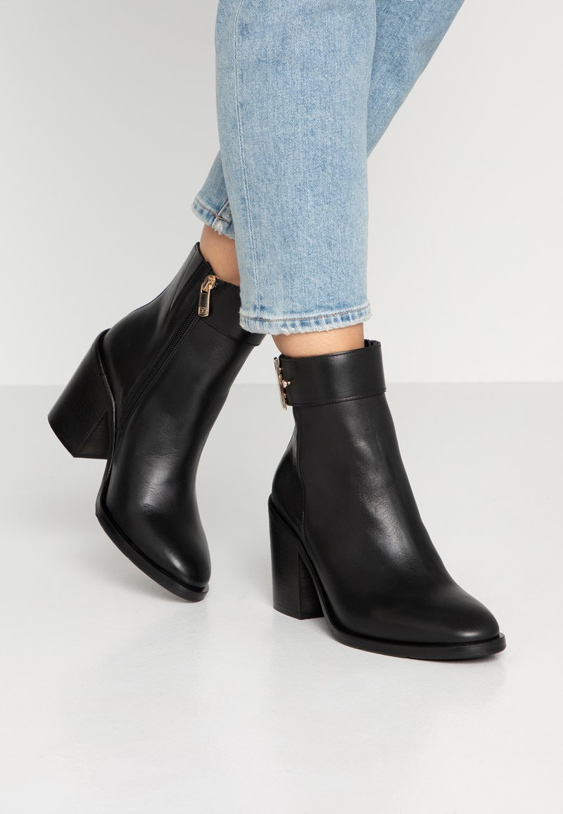 Tommy Hilfiger - CORPORATE HARDWARE BOOTIE - High heeled ankle boots - black