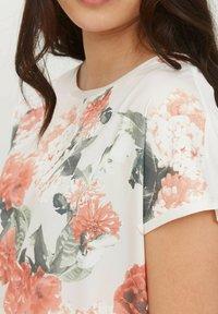 b.young - BYPANYA  - Print T-shirt - nectarine mix - 3