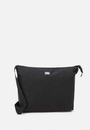 SHOULDER BAG - Skulderveske - black