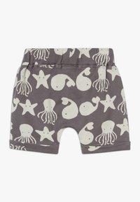 Turtledove - SEA FRIENDS BABY - Shorts - grey/white - 1