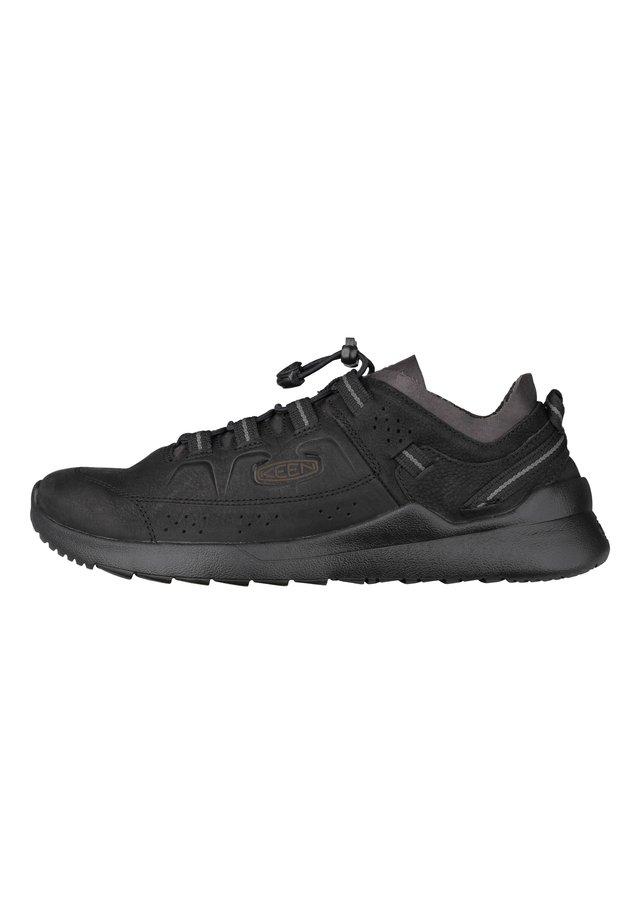 HIGHLAND - Walking trainers - black/magnet