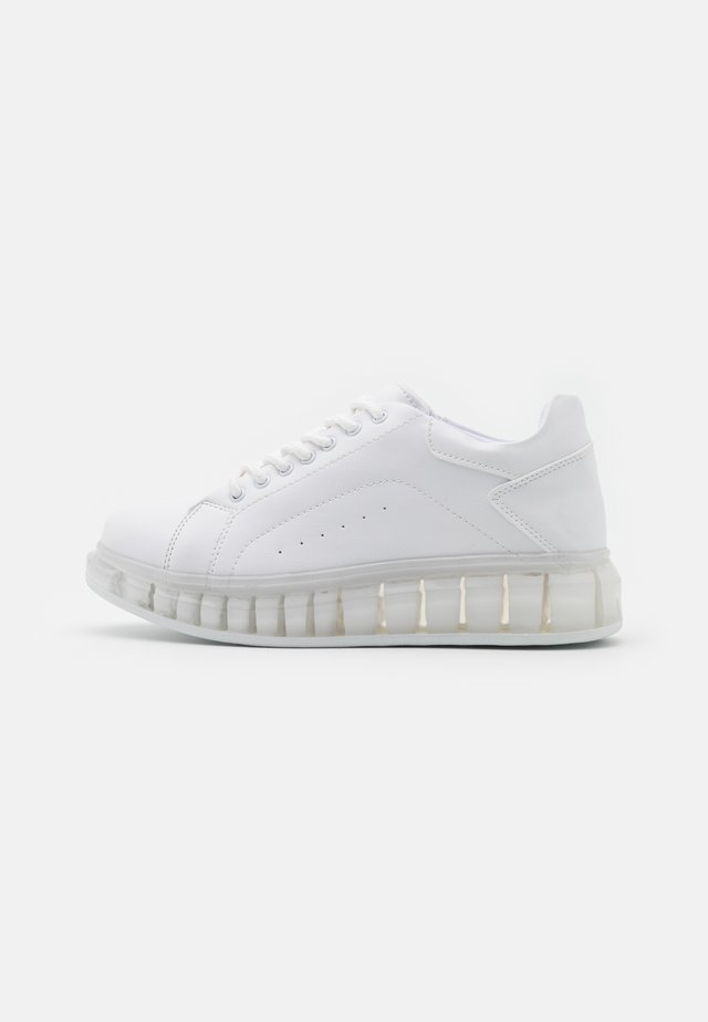 TRANSLUCENT RETRO  - Sneakers - white