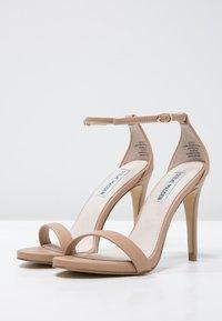 Steve Madden - STECY - Sandály na vysokém podpatku - natural - 2